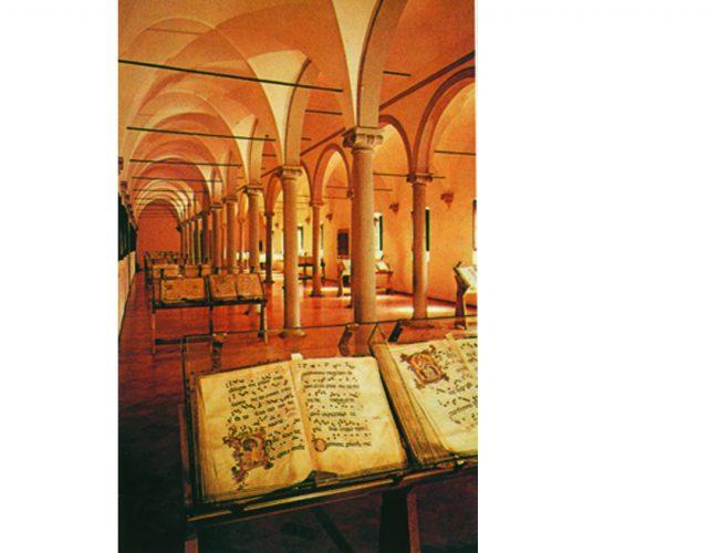 Άποψη της βιβλιοθήκης της μονής του Αγίου Μάρκου που χτίστηκε κατά παραγγελία του Κόζιμο των Μεδίκων βασισμένη στα αρχιτεκτονικά σχέδια του Michelozzo.
