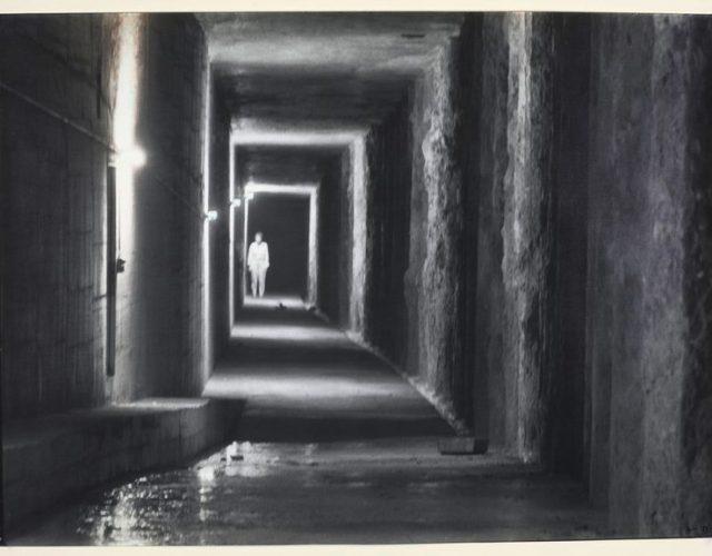 Cécile-Wick-Räume-IV-1985.-Black-and-white-photograph-100-x-140-cm.-Kunsthaus-Zürich-Vereinigung-Zürcher-Kunstfreunde-Gruppe-Junge-Kunst-1986-©-Cécile-Wick