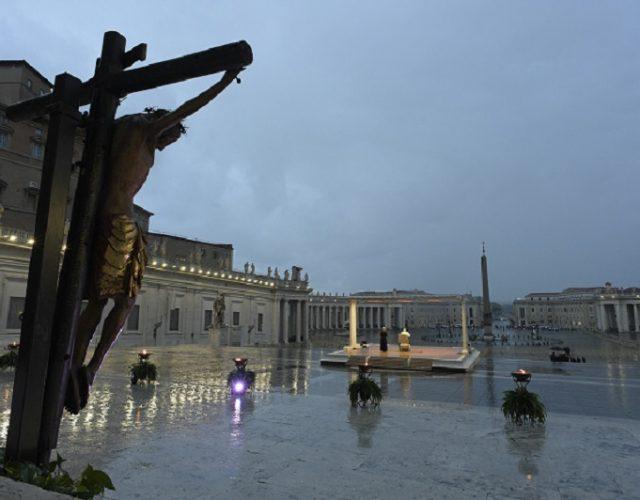 crocifisso-marcello-corso-pioggia