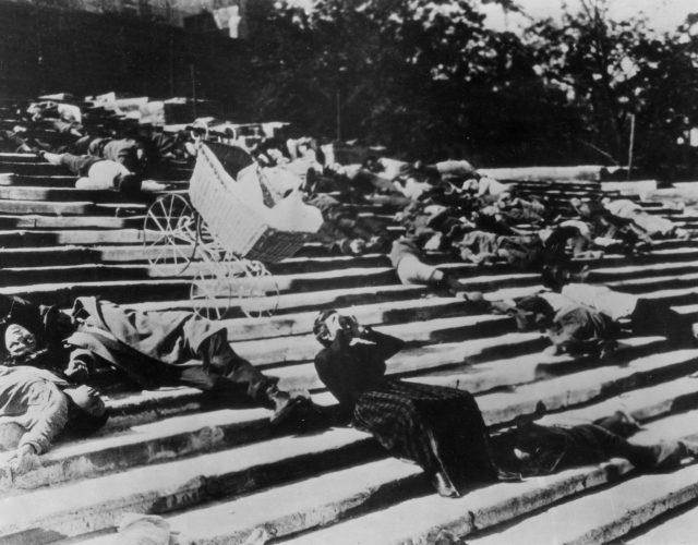 Scene-Battleship-Potemkin-sequence-The-Odessa-Steps