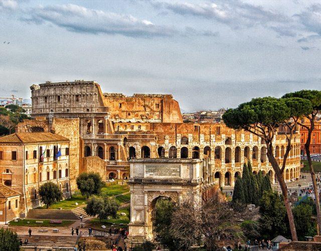 roma-veduta-colosseo-alto