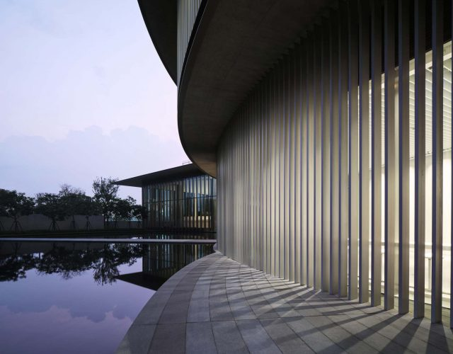 tadao-ando-he-art-museum-china-photography_dezeen_2364_col_0