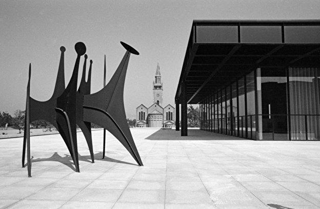 Neue_Nationalgalerie_Calder_Ausstellung