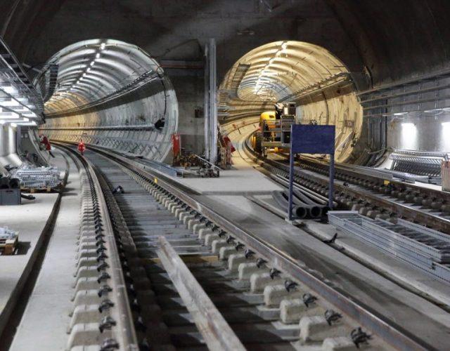 elizabeth-line-crossrail-londino-siragga-metro-train-e1564494782163