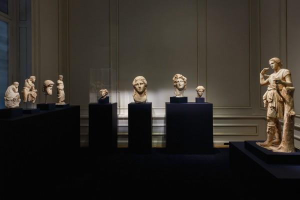 3.-Πάρις-Ταβιτιάν-©-Μουσείο-Κυκλαδικής-Τέχνης-600x400