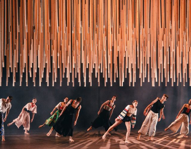 GREEK DANCES Finality Rootless root - photo Valeria Isaeva (1)