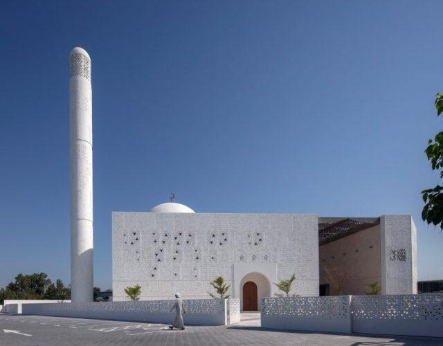 dabbagh-architects-mosque-late-mohamed-abdulkhaliq-gargash-dubai-uae_dezeen_2364_col_16-852x686